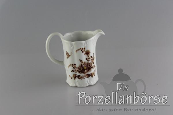 Sahnekännchen - Rosenthal - braune Blüte